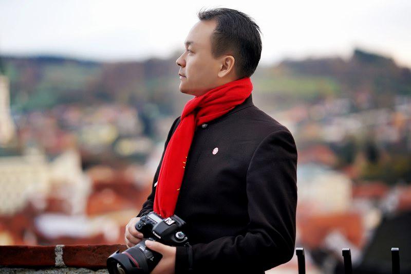 朱汉举:江苏省摄影行业协会副会长、人像摄影大师、曾好获得过许多著名奖项